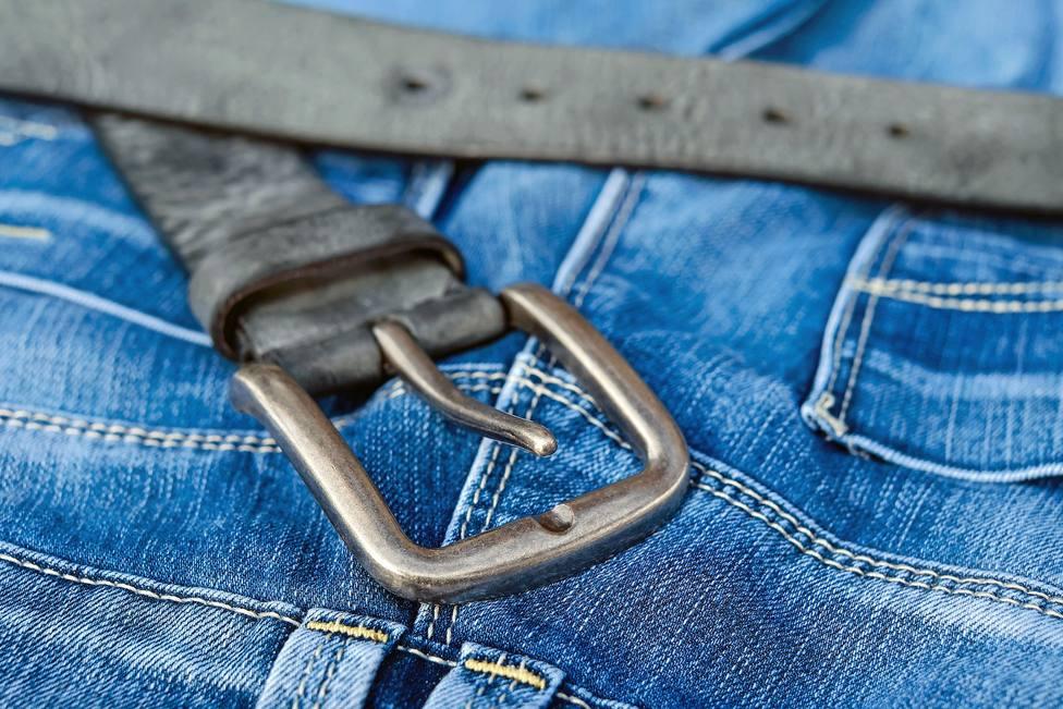 El truco infalible para eliminar una mancha de aceite de tu ropa