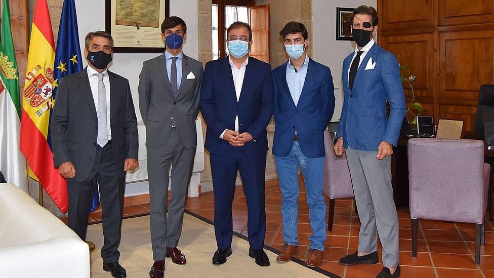 Victorino Martín, Carlos Domínguez, Fernández Vara, Manuel Perera y Juan José Padilla