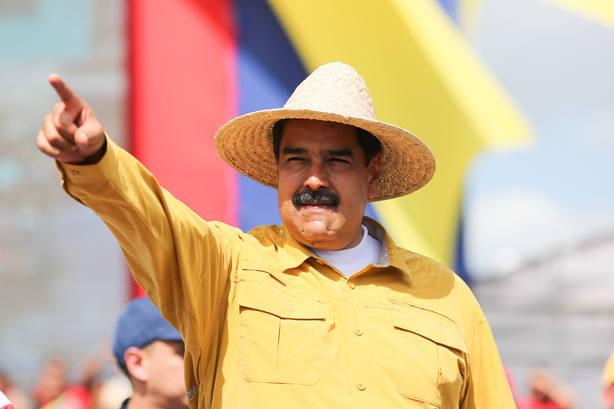 El Poder Electoral venezolano prohíbe a Maduro pagar en bones a los que vayan a votar