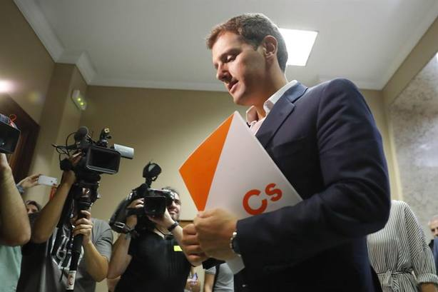 Rivera amaga con romper el pacto electoral en Andalucía
