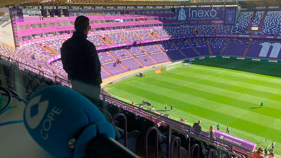 Micrófono COPE Tiempo de Juego en el estadio Nuevo José Zorrilla