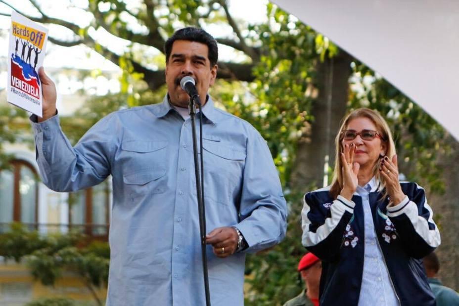 Maduro al pueblo de EE.UU.: Vienen a invadir nuestro país en nombre de la libertad como hicieron en Vietnam