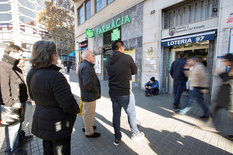 Los loteros esperan mejorar ventas de 2017 con las compras de última hora