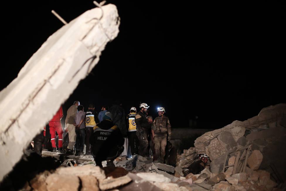Mueren diez civiles, entre ellos cinco niños, en un bombardeo supuestamente ejecutado por Rusia en Idlib