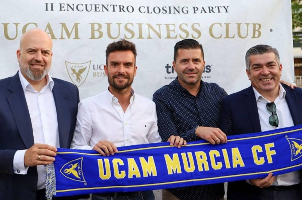 Rubén Albés ya ejerce como entrenador de UCAM Murcia CF