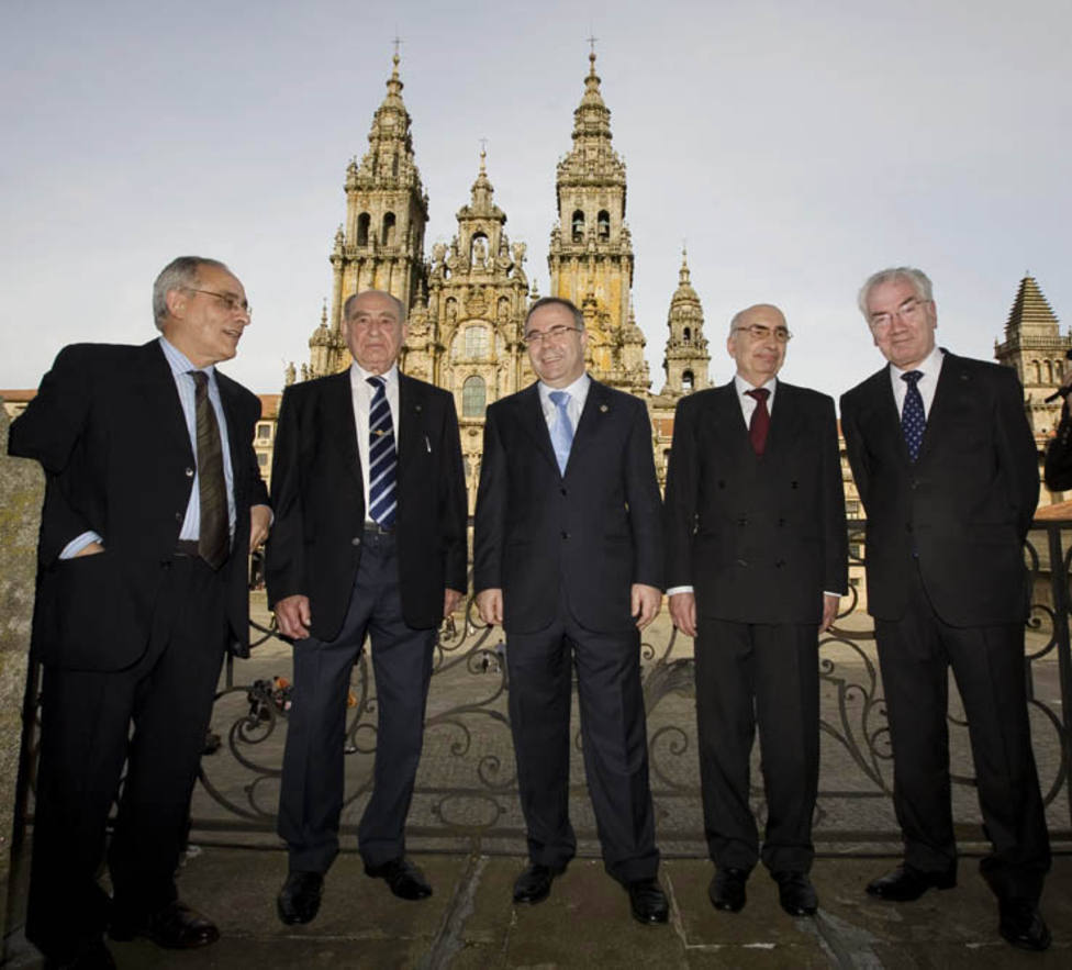 Memoria de 40 años de democracia municipal en Santiago