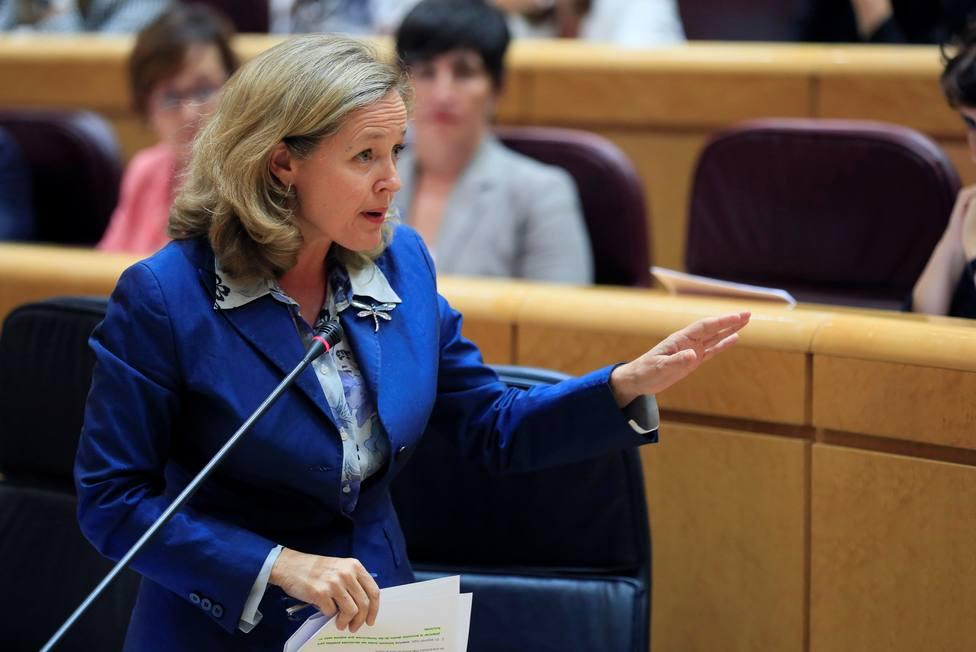 Calviño vuelve a pedir al PP que se abstengan para facilitar la investidura de Sánchez