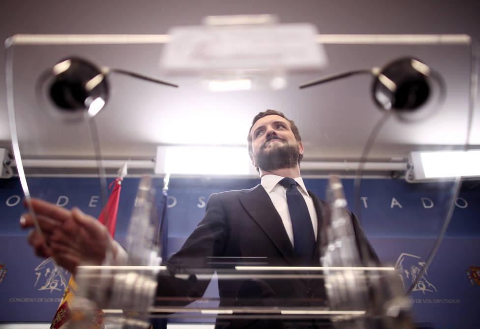 La Junta Electoral Central abre un expediente sancionador al PP por los SMS de Pablo Casado durante la campaña