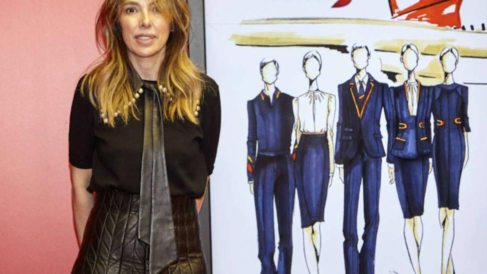 Así son los uniformes creados por Teresa Helbig para los azafatos de Iberia