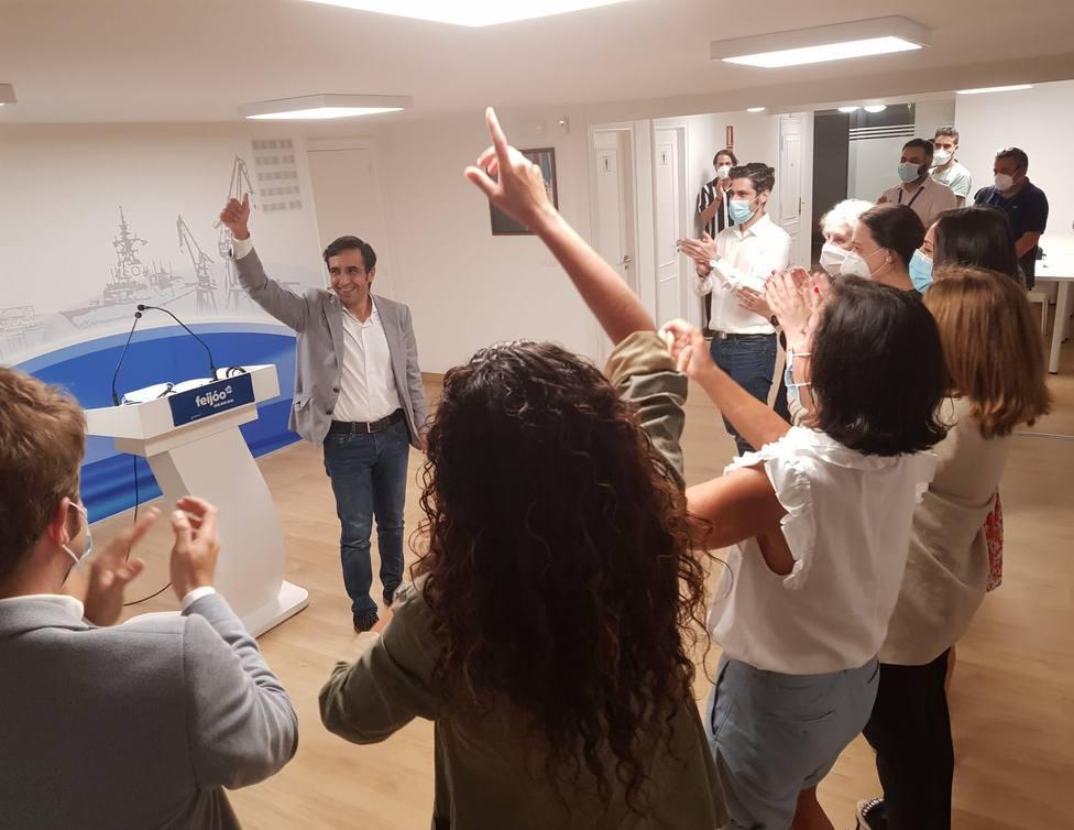 José Manuel Rey Varela, celebró en su sede la victoria del PP y su puesto como diputado. FOTO: PP de Ferrol