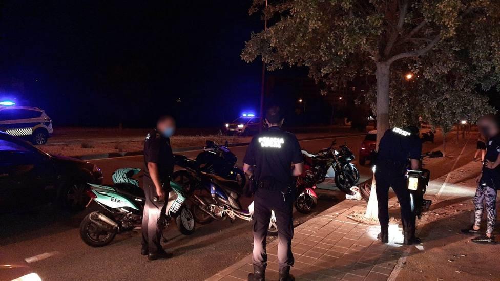 Los agentes detectaron unos quince ciclomotores participantes en la carrera (Policía Local)