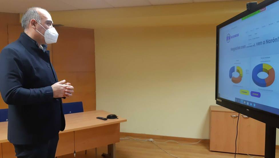 El concejal David Pita durante la presentación de la nueva página web de Promoción Económica