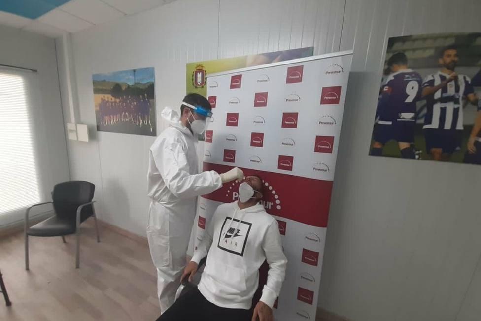 Los jugadores del CF Lorca Deportiva pasan los test COVID19