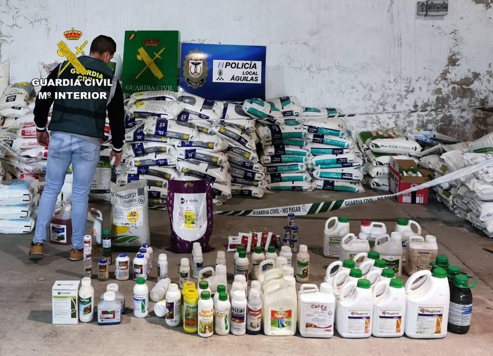 Detenidos 20 miembros de una red dedicada a robar abonos y productos fitosanitarios en Murcia y Almería