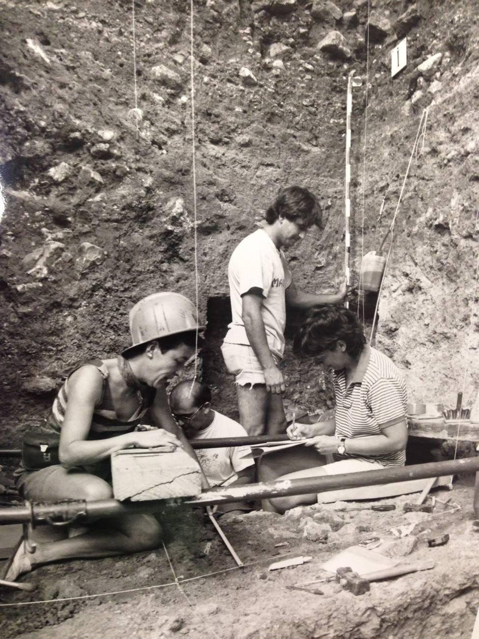 Mujeres arqueólogas MEH