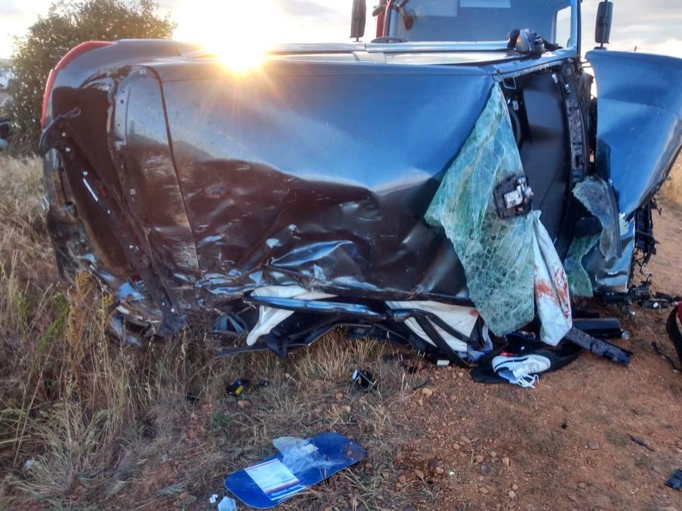 Dos muertos y 5 heridos en accidente de tráfico en La Antigua (León)