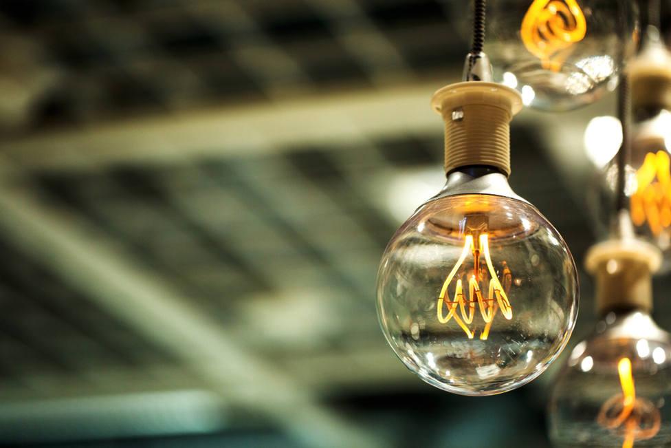 La electricidad eleva el IPC al 3,3 % en agosto, la tasa más alta desde 2012