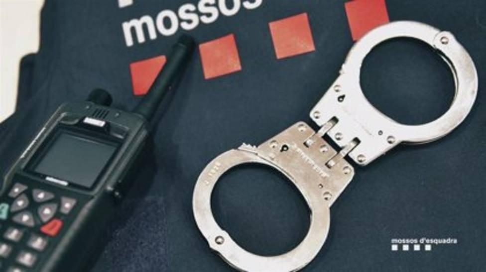 Mossos dEsquadra ha detenido al joven de 21 años