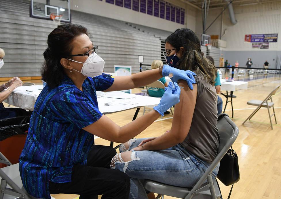 Estados Unidos obligará a los empleados federales a recibir la vacuna contra la covid-19