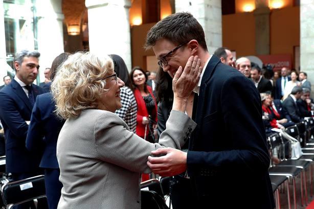 Íñigo Errejón con Manuela Carmena el Día de la Comunidad de Madrid