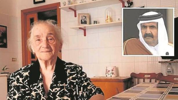 Teresa Borsetti y el exemir de Qatar, Hamad bin Jalifa Al Thani. Corriere della Sera
