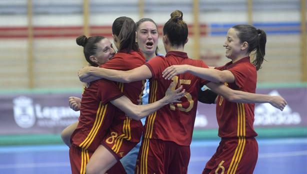 Las jugadoras españolas celebrando la victoria