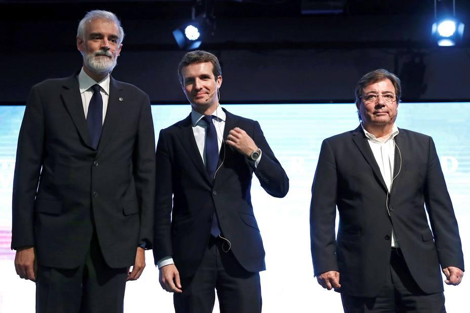 CASADO Y FERNÁNDEZ VARA PARTICIPAN EN CONGRESO EL PAPEL DE LA IGLESIA EN UNA SOCIEDAD DEMOCRÁTICA