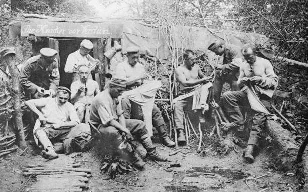 Soldados alemanes en un refugio durante la Batalla de Verdún