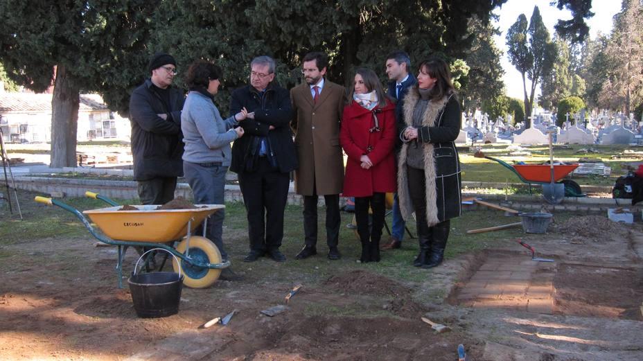 El Gobierno garantiza las exhumaciones en Andalucía pese a la Ley de Concordia de PP y Vox