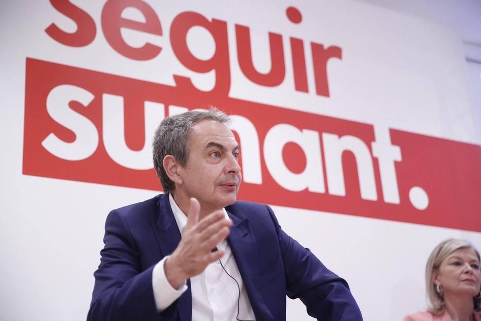 Zapatero: Es paradójico que pretendan unir más España y fortalecer la convivencia los que se han roto en tres