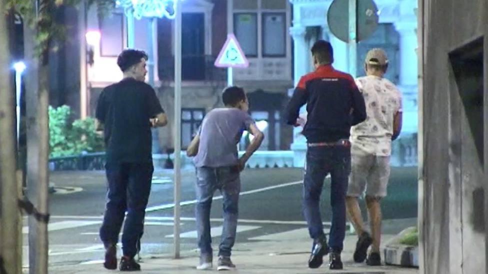 Tres de los cuatro argelinos de la manada de Bilbao, detenidospor robar el móvil a una mujer