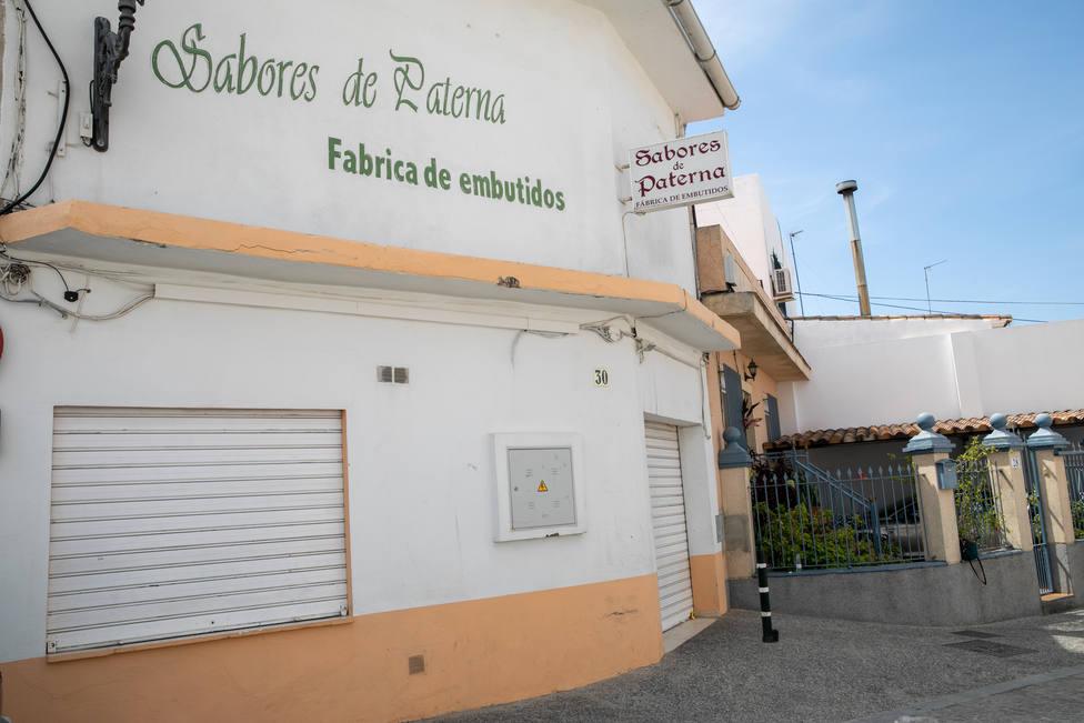 Unas 1.000 personas se concentran en Sabores de Paterna para dar cariño y calor a los propietarios