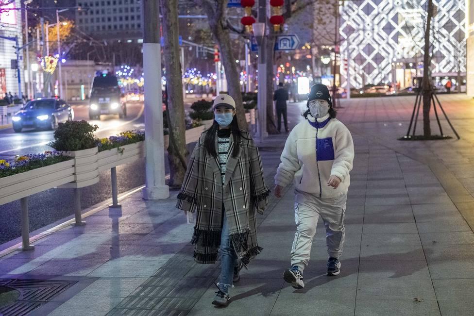 Japón confirma 174 casos de coronavirus a bordo del crucero en cuarentena en el puerto de Yokohama