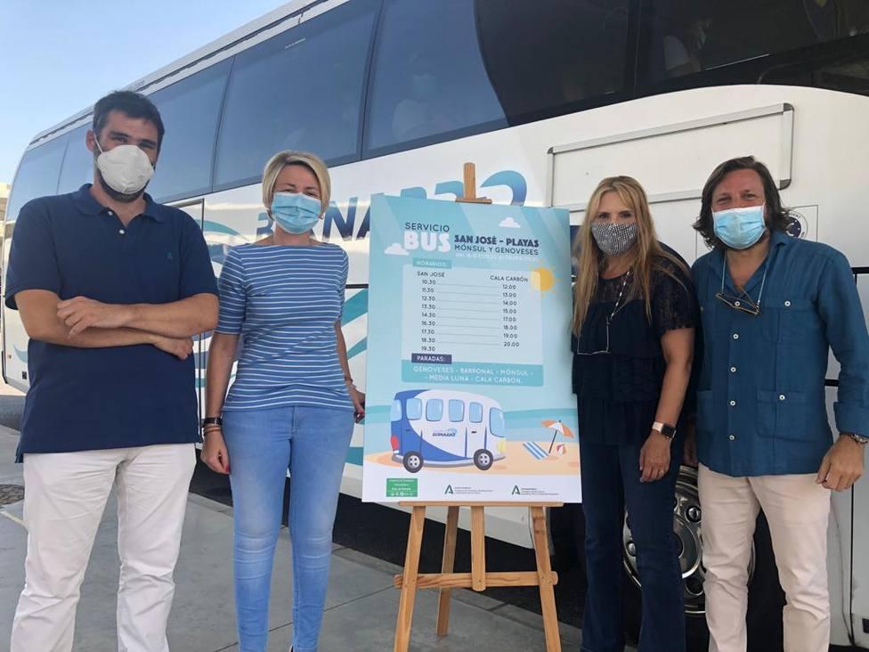 El acceso en bus a las playas restringidas de Cabo de Gata comenzará este jueves