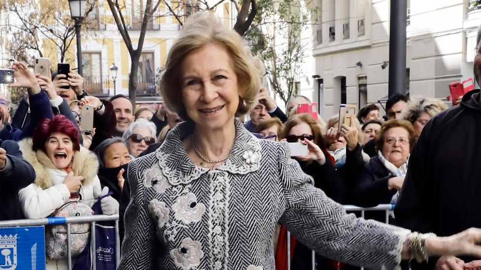 El detalle de la Reina Sofía en su primera aparición pública tras la marcha de Juan Carlos I de Zarzuela