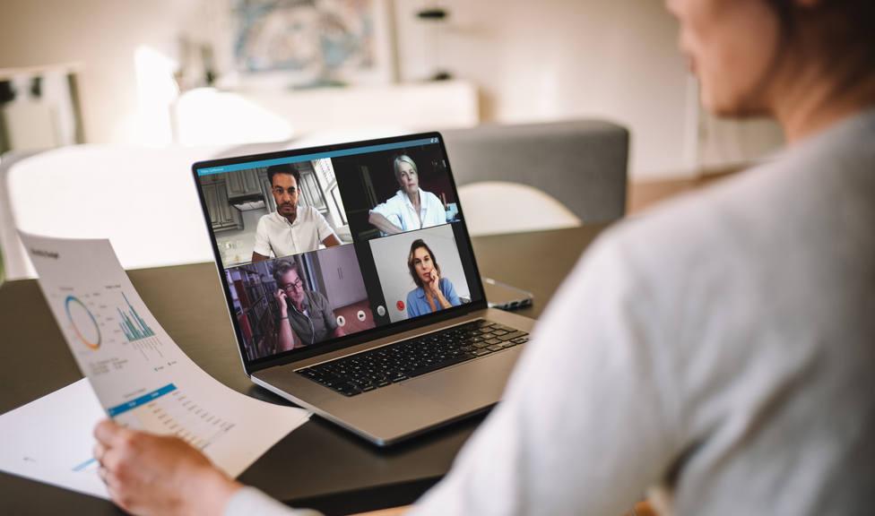 La Generalitat pide teletrabajo y universidad online durante 15 días