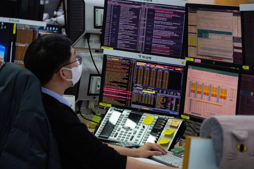Los mercados están pendientes de los indicadores económicos de Europa y Estados Unidos