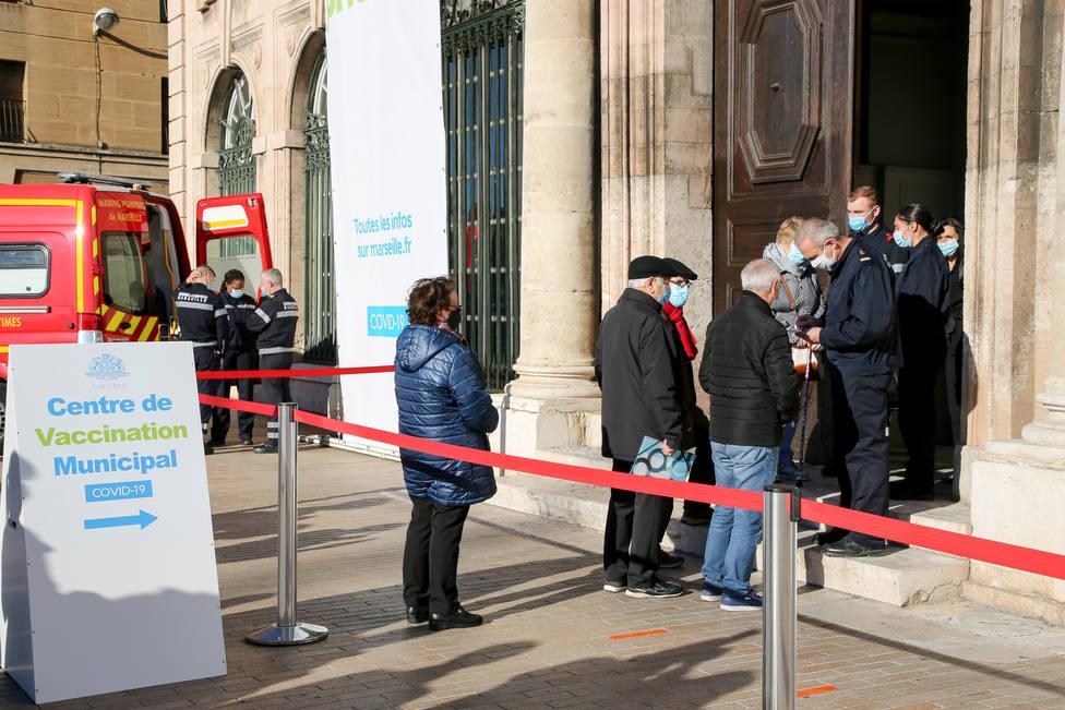 Francia suma otros 4.300 contagios de COVID-19 y 413 muertes en las últimas 24 horas