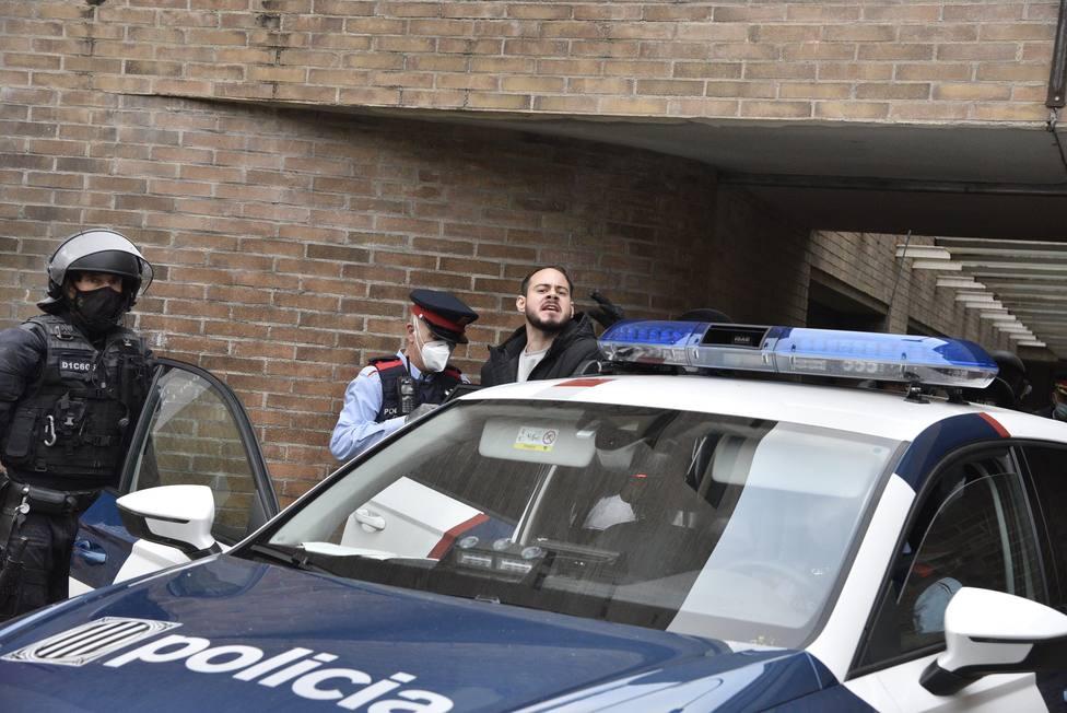 Los Mossos detienen a Pablo Hasél y se lo llevan de la Universidad de Lérida