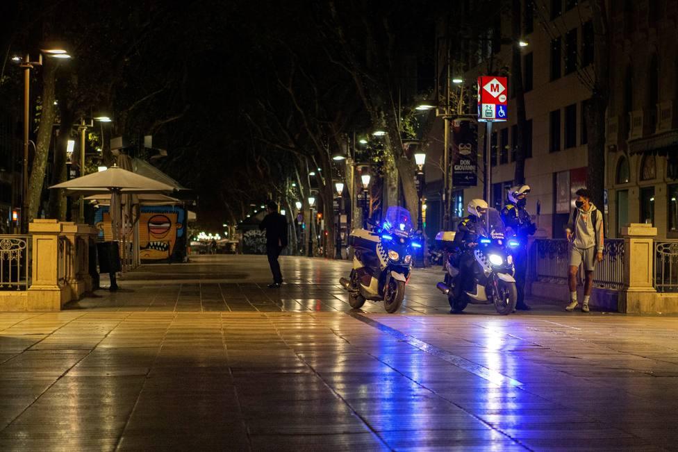 Desalojo de más de 500 personas en botellones: así ha sido el trabajo de la Guardia Urbana en Barcelona