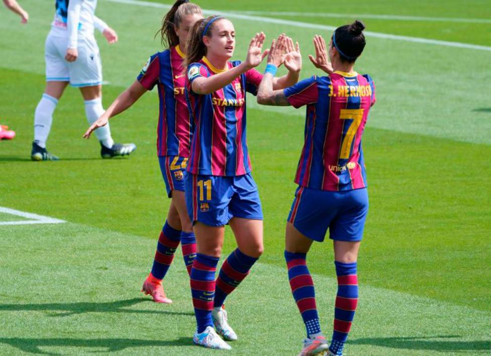 El Barcelona golea al Deportivo
