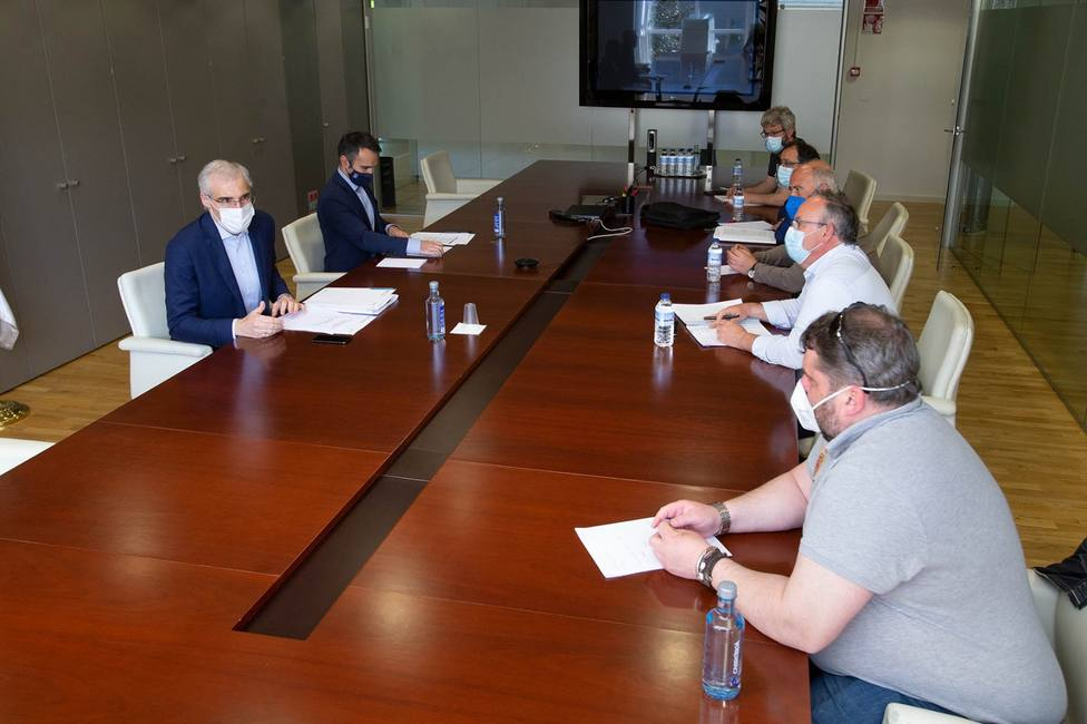 Reunión mantenida el pasado lunes entre Francisco Conde y sindicatos - FOTO: Xunta