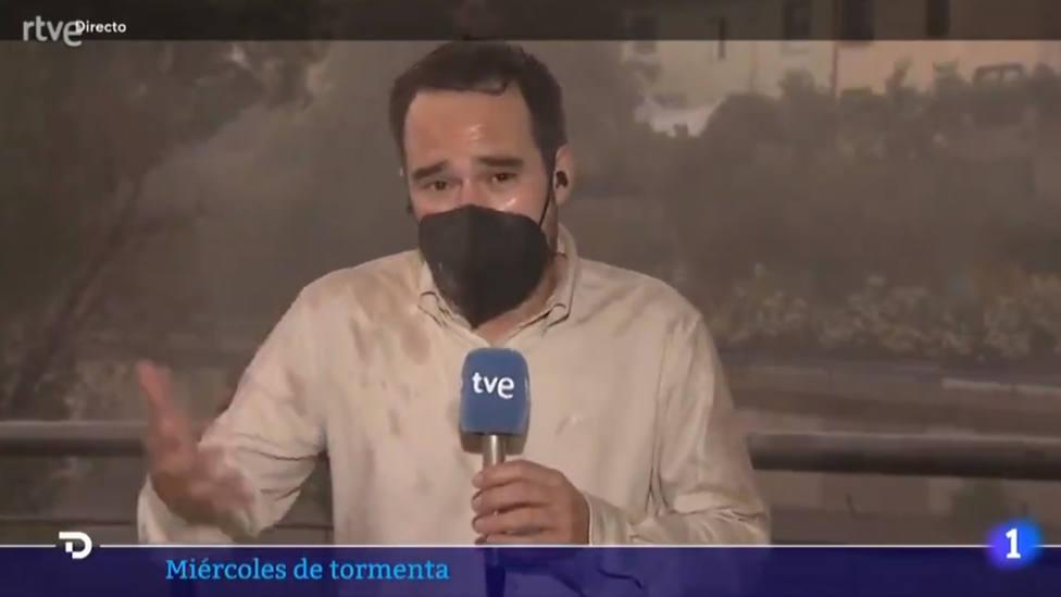 El reportaje en directo por el que le llueven, literalmente, las críticas al Telediario de TVE
