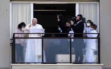 Pope Francis Sunday Angelus prayer at the Gemelli hospital