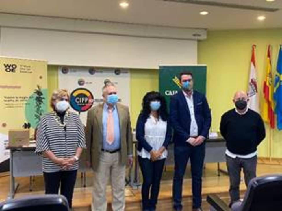 Arranca el V curso de sumilleres de la WOOE en la Escuela de Hostelería de Gijón