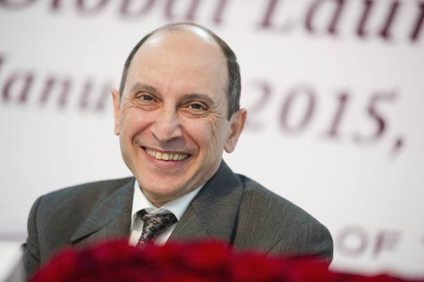 """El director de Qatar Airways asegura que """"sólo un hombre"""" puede dirigir su aerolínea"""