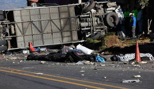 Cinco fallecidos y 30 heridos en un accidente de autobús en el centro de Perú