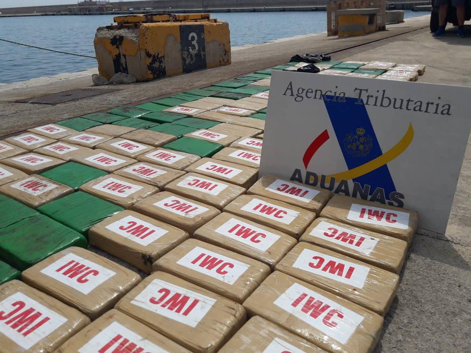 Interceptan un barco con más de 300 kilos de cocaína entre Ibiza y Mallorca