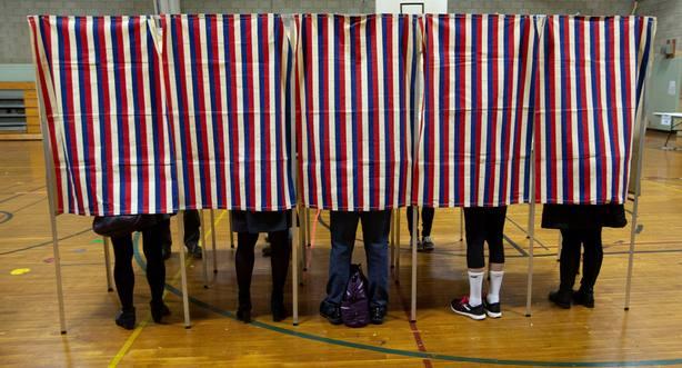 Estadounidenses acuden a votar en las elecciones legislativas