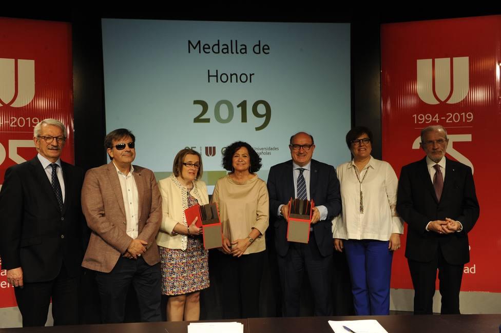 Fundación ONCE y la Xarxa Vives dUniversitats, Medalla de Honor de la CRUE